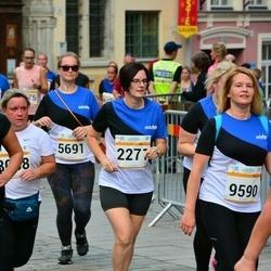 Tallinna Maratoni Sügisjooks 10 km - Eda Merilain (2271), Birgit Kuuse (5691)