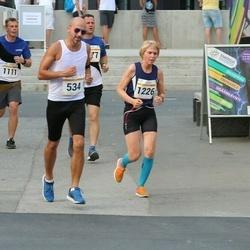 Tallinna Maratoni Sügisjooks 10 km - Andres Voolar (534), Berit Grøtte (1226)