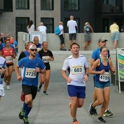 Tallinna Maratoni Sügisjooks 10 km - Märt Ridala (375), Rauno Haabmets (603), Agate Kristapsone (4159)