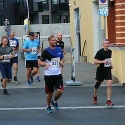 Tallinna Maratoni Sügisjooks 10 km - Kuldar Agu (1453), Panagiotis Dallas (2151), Ago Veskimäe (3331)