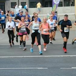 Tallinna Maratoni Sügisjooks 10 km - Markus Kivistik (293), Taavo Laatsit (452), Zinaida Khudoshina (2821), Agnese Lagzdina (3371)