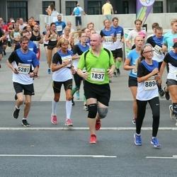 Tallinna Maratoni Sügisjooks 10 km - Oleg Zadalov (1837), Siim Audova (4315), Tarmo Seppago (5281), Amanda Maljugina (8894)