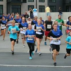 Tallinna Maratoni Sügisjooks 10 km - Anderi Povodov (4946), Stella Olek (5834)