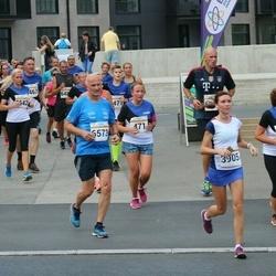Tallinna Maratoni Sügisjooks 10 km - Julia Schmidt (3905), Bjørn-Are Hemmingsen (6573)