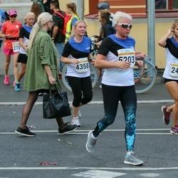 Tallinna Maratoni Sügisjooks 10 km - Laidi Kaldoja (4358), Andra Mõttus (5203)