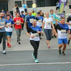 Tallinna Maratoni Sügisjooks 10 km - Kristina Erin (592), Agnes Pihlak (1788), Vjatšeslavf Antipenko (6247)