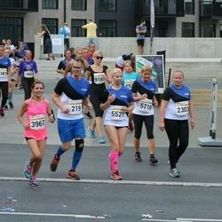 Tallinna Maratoni Sügisjooks 10 km - Rage Heinmäe (2303), Anna Semenova (3967), Teele Aaslaid (5521)