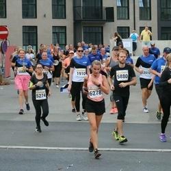 Tallinna Maratoni Sügisjooks 10 km - Angie De Los Angeles Meneses Ryan (5274), Agnes Pihelpuu (6278)