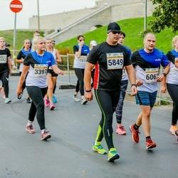 Tallinna Maratoni Sügisjooks 10 km - Eve-Liis Teder (3397), Arno Kender (5849), Petr Mikheev (6062), Alexandra Ulyanova (6628)