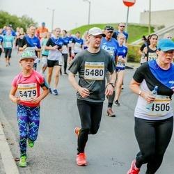 Tallinna Maratoni Sügisjooks 10 km - Natalja Sahharova (4506), Carolin Pinna (5479), Andero Joorits (5480)