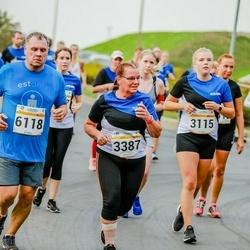Tallinna Maratoni Sügisjooks 10 km - Annabel Pern (3115), Marje Viilup (3387), Margo Jõgi (6118)