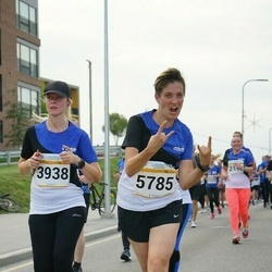 Tallinna Maratoni Sügisjooks 10 km - Tabita Räppo (3938), Anastasia Yurina (5785)