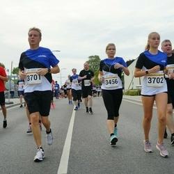 Tallinna Maratoni Sügisjooks 10 km - Katrina Mäeorg (3456), Andres Pastarus (3701), Annelise Pastarus (3702)