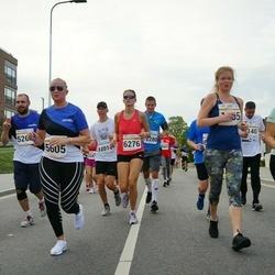 Tallinna Maratoni Sügisjooks 10 km - Agne Vilt (1396), Krete Pajo (1455), Margit Turu (5605), Cärola Almosen (6276)