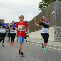 Tallinna Maratoni Sügisjooks 10 km - Artur Panov (4930), Margit Traublum (5442)