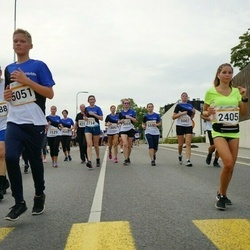 Tallinna Maratoni Sügisjooks 10 km - Juzefa Šmeljova (2405), Anneli Toomsalu (3188), Mark Jakob Jakson (5051), Lana Tagel (9169)