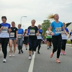 Tallinna Maratoni Sügisjooks 10 km - Reili Rüütel (3453), Egle-Maria Trautmann (4667), Grete Olde (5742), Marit Rebane (6403), Maris Aagver (6569), Elle-Liis Liivas (6570)