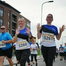 Tallinna Maratoni Sügisjooks 10 km - Kristiine Kuutok (5260), Anni Niinep (5261)