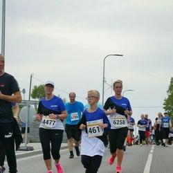 Tallinna Maratoni Sügisjooks 10 km - Sune Lõhmus (4477), Aron Issi (4611), Mairi Möldre (6258)