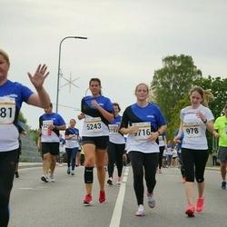 Tallinna Maratoni Sügisjooks 10 km - Birgit Kaljuste (5243), Janne-Ly Siimon (9716)