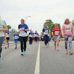 Tallinna Maratoni Sügisjooks 10 km - Kirke Padu (3727), Signessa Kalmus (6691), Annika Toots (8391), Helje Laiverik-Nael (11454), Saija Niinimäki (12475)