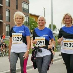 Tallinna Maratoni Sügisjooks 10 km - Kaja Lillemäe (8329), Eve Ojala (8339), Annika Rooväli (8351)