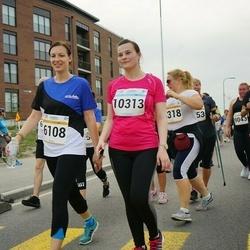Tallinna Maratoni Sügisjooks 10 km - Anastassia Vilderson (6108), Jelena Ossõka (10313)
