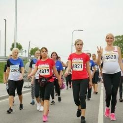 Tallinna Maratoni Sügisjooks 10 km - Katrin Vetšerina (4819), Anastassia Padar (4820), Alvina Špak (4821), Piret Kaasik (12022)