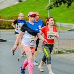 Tallinna Maratoni Sügisjooks 10 km - Sigrid Purgats (3082), Annika Toom (8882)