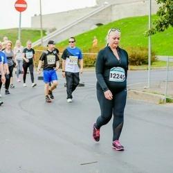 Tallinna Maratoni Sügisjooks 10 km - Tiia Raud (8241), Anna Kredentsar (12245)
