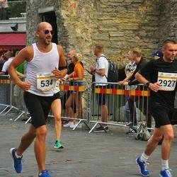 Tallinna Maratoni Sügisjooks 10 km - Andres Voolar (534), Arnis Sevelkovs (2927)