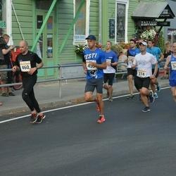 Tallinna Maratoni Sügisjooks 10 km - Mihkel Heinapuu (274), Andi Piliste (460)