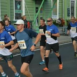 Tallinna Maratoni Sügisjooks 10 km - Märt Raam (314), Boriss Burkov (779)