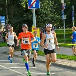 Tallinna Maratoni Sügisjooks 10 km - Aare Kutsar (85), Rene Mägi (210)