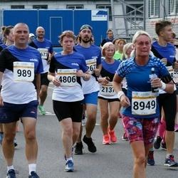 Tallinna Maratoni Sügisjooks 10 km - Aarne Lätte (989), Virge Virunurm (4806), Carina Eriksson (8949)