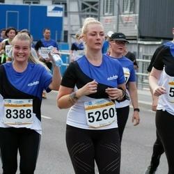 Tallinna Maratoni Sügisjooks 10 km - Kristiine Kuutok (5260), Anni Niinep (5261), Kätri Kärk (8388)