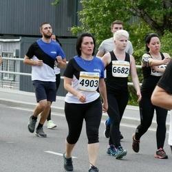 Tallinna Maratoni Sügisjooks 10 km - Anneli Sildmaa (4903), Minna Mourujärvi (6682), Margus Laurik (10215)
