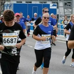 Tallinna Maratoni Sügisjooks 10 km - Artjom Litvinjuk (6687), Daisy Allikas (8554)