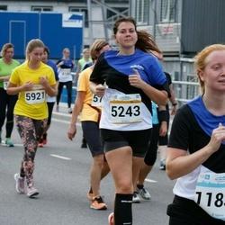 Tallinna Maratoni Sügisjooks 10 km - Birgit Kaljuste (5243), Mailika Rõõs (11834)