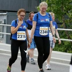 Tallinna Maratoni Sügisjooks 10 km - Britta Piisang (2316), Mari Matsberg (2346)