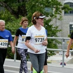 Tallinna Maratoni Sügisjooks 10 km - Einari Heinonen (4209), Kersti Tääker (9735), Agne Laht (11598)