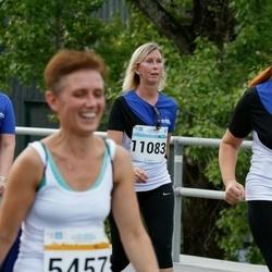 Tallinna Maratoni Sügisjooks 10 km - Marin Strandberg-Averkin (5164), Annika Paluoja (11083)