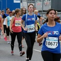 Tallinna Maratoni Sügisjooks 10 km - Külli Kaare (9161), Anastassia Taranko (10663), Stefania Christodoulou (10677)