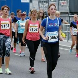 Tallinna Maratoni Sügisjooks 10 km - Külli Kaare (9161), Tiia Kiis (9162), Anastassia Taranko (10663)