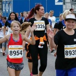 Tallinna Maratoni Sügisjooks 10 km - Remi Kuuseorg (8935), Brigitta Pihlakas (8954), Merike Schults (9326)