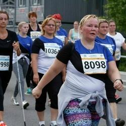 Tallinna Maratoni Sügisjooks 10 km - Arle Kõressaar-Vallimaa (8098), Nele Laar (11998)