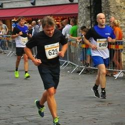 Tallinna Maratoni Sügisjooks 10 km - Sven Holter (625), Aleksei Bãmtka (840)