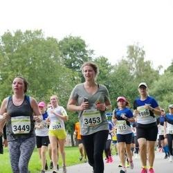 Tallinna Maraton - Amy Papineau (3449), Susanna Roe (3453)