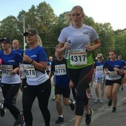 Tallinna Maratoni Sügisjooks 10 km - Annika Suup (4317), Kristel Kuusemets (5878)