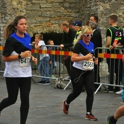 Tallinna Maratoni Sügisjooks 10 km - Marge Pent (2551), Britta Pung (6471)